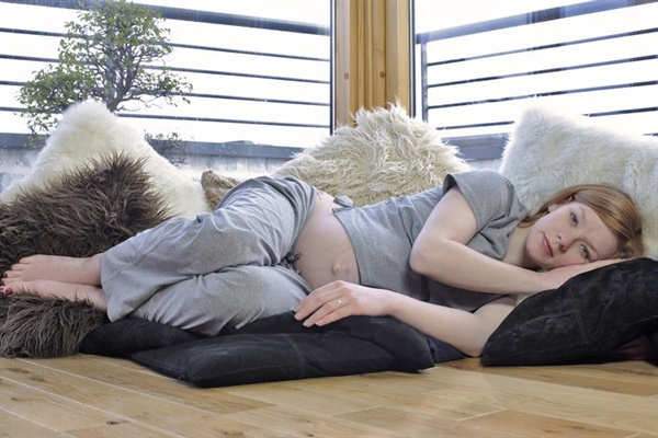hamilelikte uyku pozisyonu