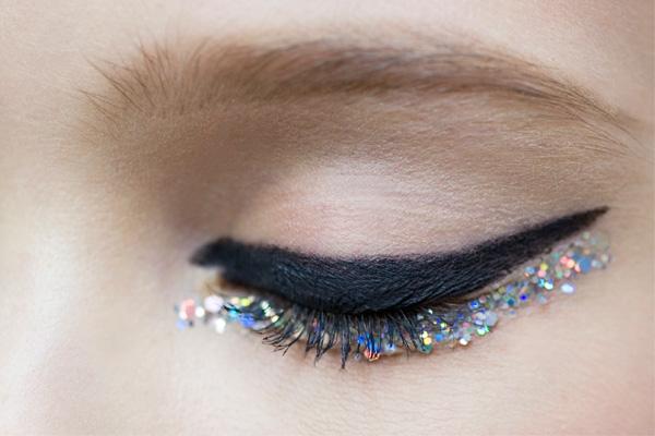 eyeliner kullanmak